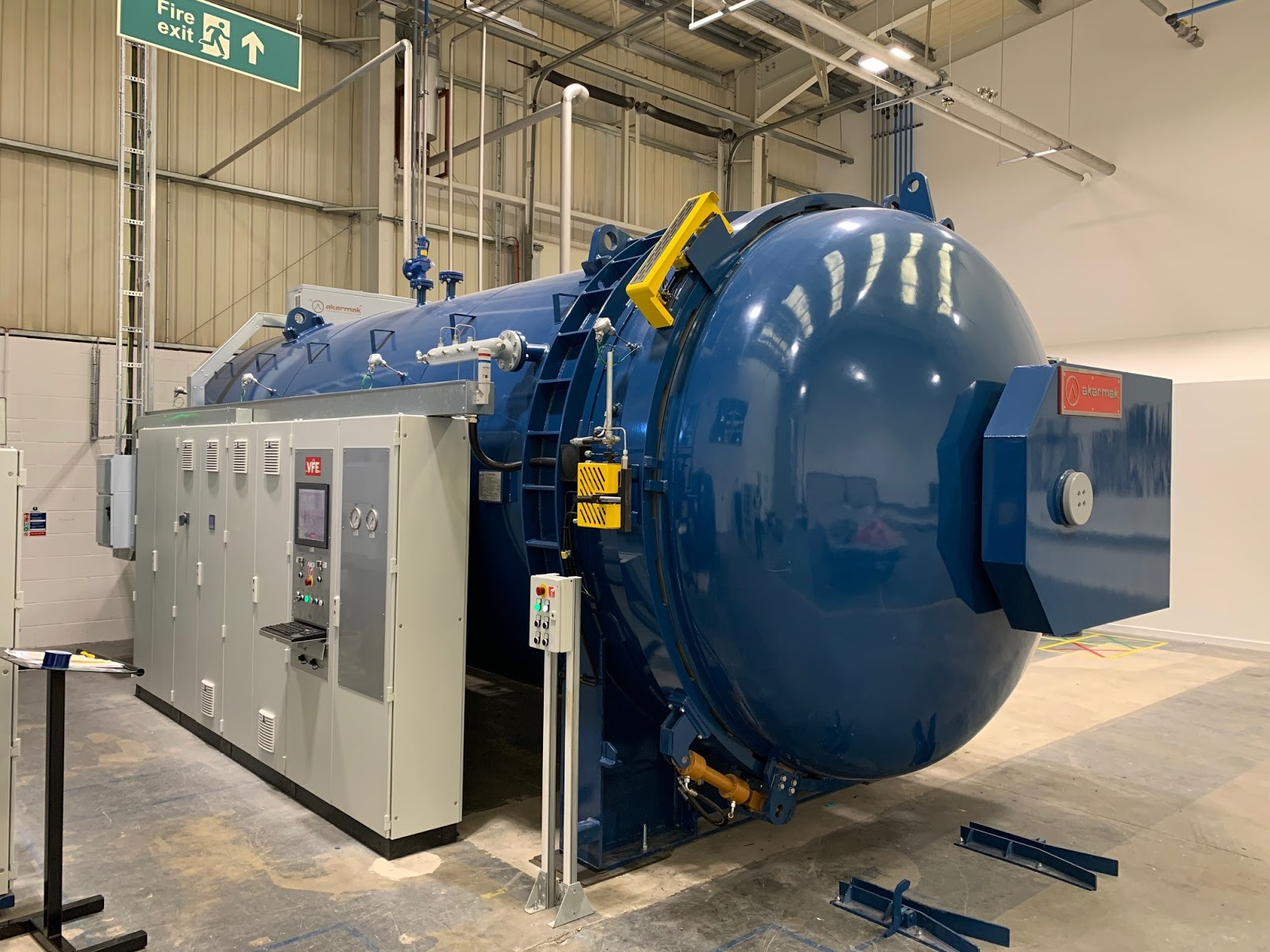 Autoclave servicing and maintenance